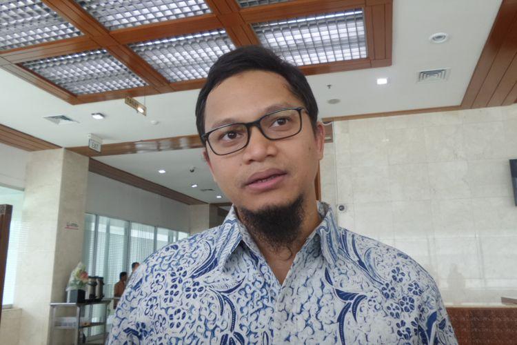 Wakil Ketua Komisi I DPR, Hanafi rais di Kompleks Parelemen, Senayan, Jakarta, Selasa (5/12/2017)