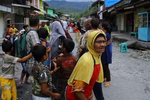 Distribusi Air Bersih Korban Gempa Masih Terputus