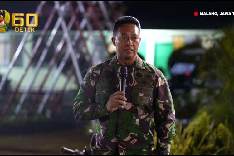 Kepala Staf Angkatan Darat (KSAD) Jenderal TNI Andika Perkasa meninjau kesiapan 125 prajurut TNI AD yang akan menjalani latihan bersama Rotation Joint Readiness Training Center (JRTC) Rotation 21-01 dengan US Army di Yonif Para Raider 502 Kostrad, Jabung, Malang, Jawa Timur.