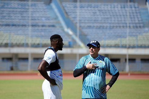 Pelatih Persib Berharap Bisa Pulangkan Geoffrey Castillion Lebih Cepat