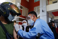 Khofifah Apresiasi Program Vaksinasi Covid-19 Lantatur UM Surabaya