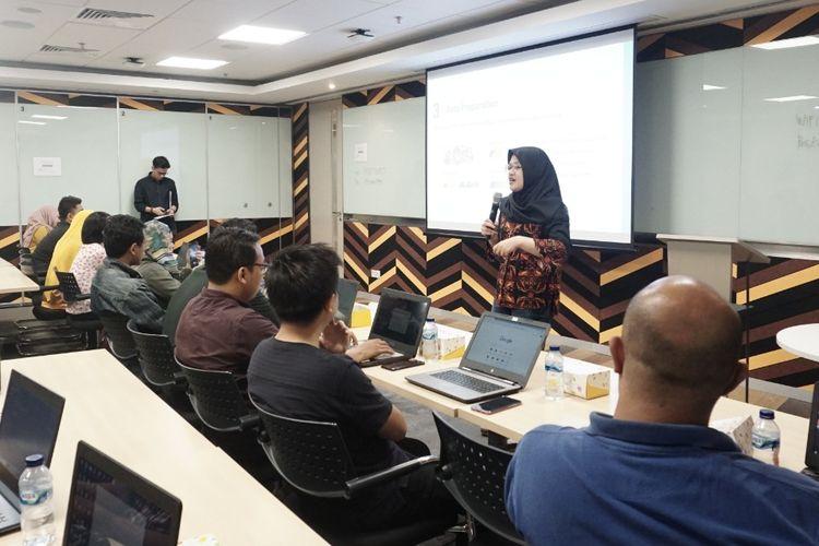 Salah satu acara meet up yang digelar DQLab bersama Reny Melyani (Data Scientist CT Corp) menjadi ajang mengasah kemampuan data scientist langsung kepada pakar dan praktisi.
