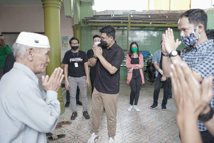 Pada momen bulan ramadhan ini, Bobby Nasution bersama dengan  anak-anak muda Kota Medan yang menamakan dirinya Medan Rangers dan Milenial Tanpa Nama melakukan kolaborasi dengan aksi sosial. Mereka membagikan alat pelindung diri (APD) dan sembako kepada sejumlah Puskesmas dan warga.