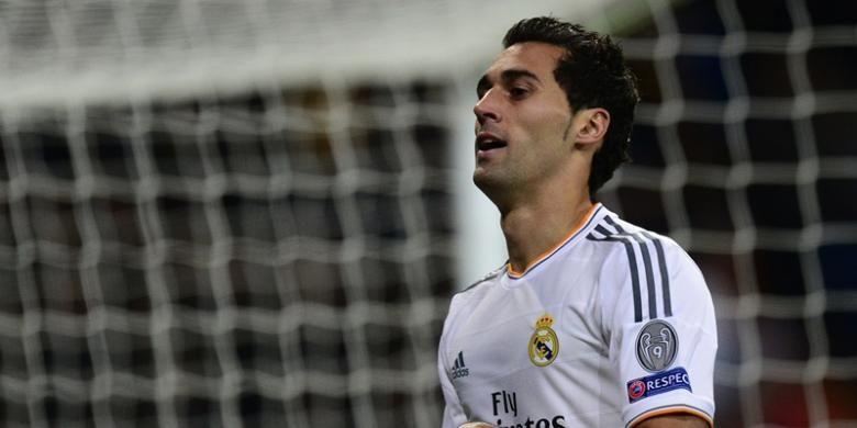 Selebrasi bek Real Madrid, Alvaro Arbeloa, usai mencetak gol ke gawang Galatasaray  dalam matchday kelima Liga Champions di Santiago Bernabeu, Rabu (27/11/2013).