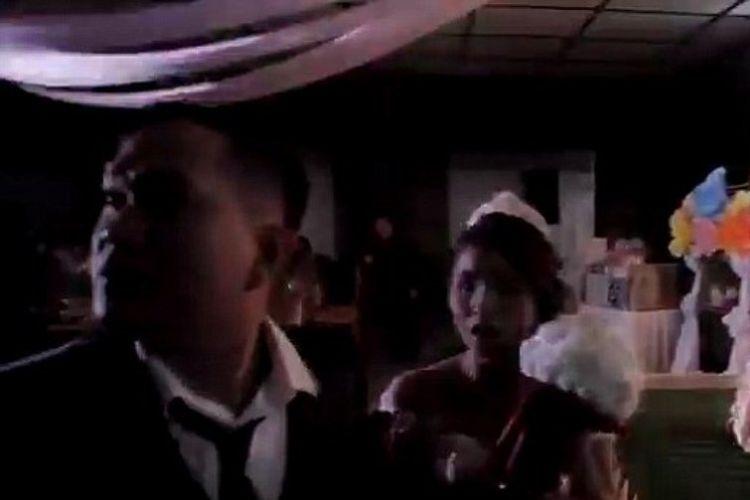 Randy Manaois dan Jennifer menggelar pesta pernikahan mereka, yang kemudian dikacaukan oleh kehadiran siklon tropis Mangkhut di Filipina. (Daily Mail)