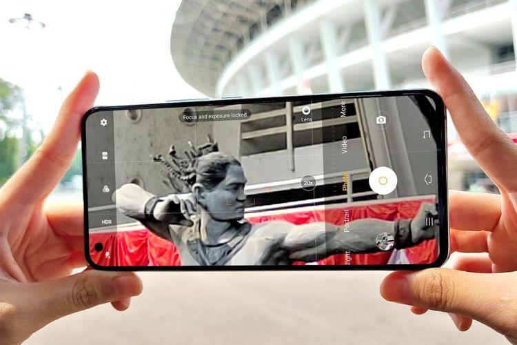 Vivo X50 dipakai untuk menjepret objek dengan fitur 20x Digital Zoom.