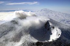 Sejarah Kelam Penerbangan Selandia Baru, Pesawat Tabrak Gunung di Antartika