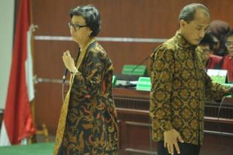 Direktur Pelaksana Bank Dunia, Sri Mulyani Indrawati menjadi saksi persidangan perkara dugaan korupsi pemberian fasilitas pendanaan jangka pendek (FPJP) dan dana talangan ke Bank Century dengan terdakwa Budi Mulya di Pengadilan Tipikor, Kuningan, Jakarta, Jumat (2/5/2014). Mantan Menteri Keuangan tersebut dimintai keterangan terkait jabatannya sebagai Ketua Komite Stabilitas Sistem Keuangan (KSSK) saat itu.