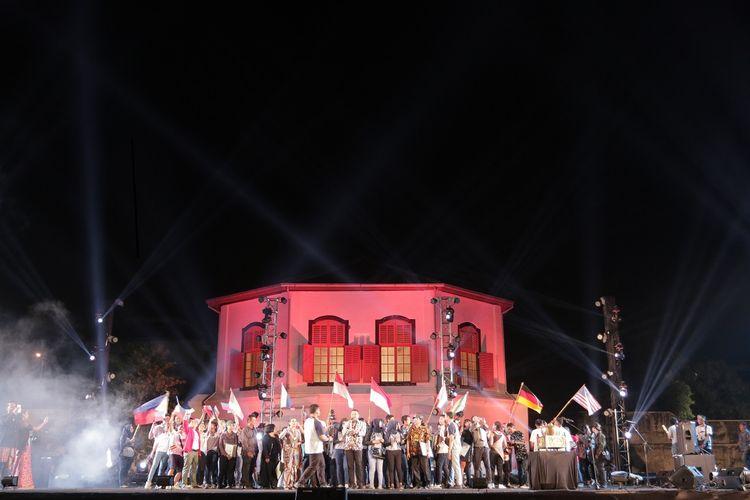 Solo International Performing Arts 2018, Surakarta, Jawa Tengah DOK, Shutterstock