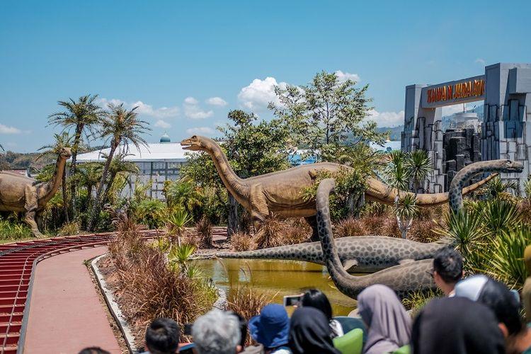 Jatim Park 3: Dino Park.