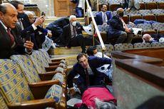 Usai Demo Rusuh di Gedung Capitol, Dua Anggota Parlemen AS Positif Covid-19