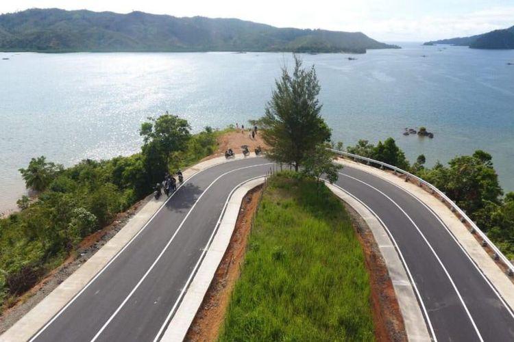 Contoh infrastruktur jalan yang dibangun pemerintah.