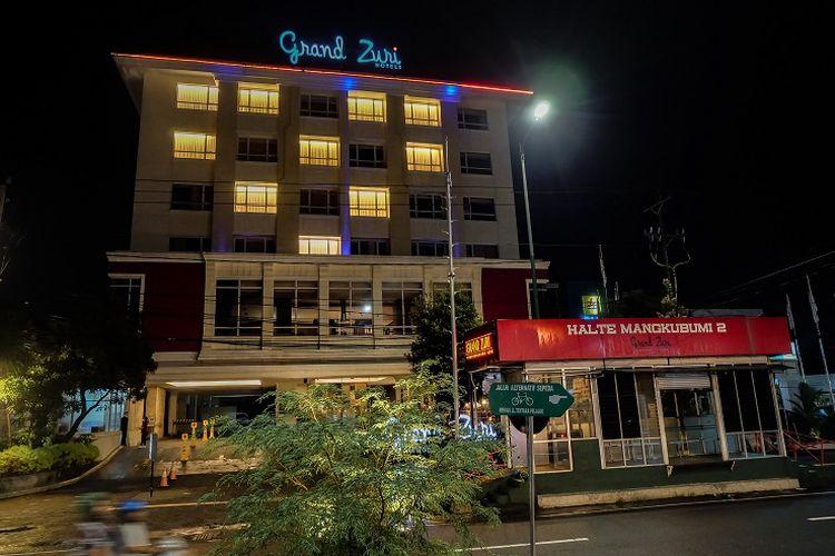 Salah satu hotel yang turut berpartisipasi dalam menyalakan lampu membentuk tanda hati untuk From Jogja With Love.