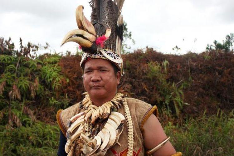 Bajik Misak, tokoh muda Dayak Agabag. Tradisi upacara bedolob merupakan pengadilan Tuhan yang diyakini Suku Dayak Agabak sebagai pengadilan yang paling adil. Karena selain disaksikan oleh leluhur mereka, pengadilan tersebut  juga merupakan pengadilan dari sang penguasa alam raya.