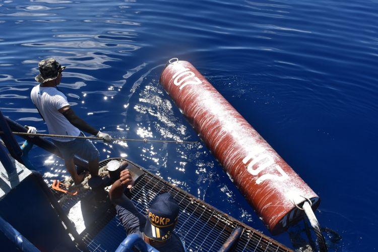 Rumpon ilegal yang diduga dipasang nelayan Filipina di perairan Sulawesi Utara.
