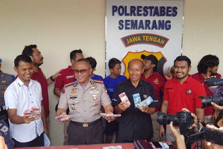 Gelar kasus pembobolan mesin ATM di Kota Semarang, Selasa (24/10/2017).