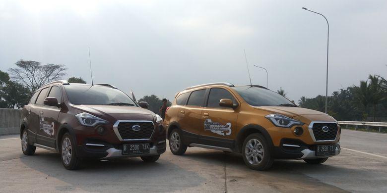 Dua unit Datsun Cross yang digunakan kru Kompas.com dalam perjalanan Merapah Trans Jawa 3.