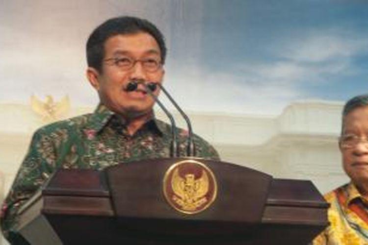 Ketua Dewan Komisioner Otoritas Jasa Keuangan (OJK) Muliaman Hadad
