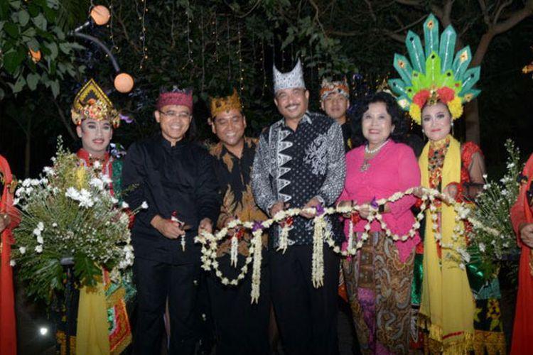 Menteri Pariwisata Arief Yahya meresmikan Sahid Osing Resort Kemiren Banyuwangi, Jawa Timur, Sabtu (11/11/2017).