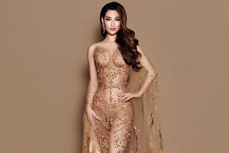 Puteri Indonesia Frederika Alexis Cull mengenakan gaun rancangan Tex Saverio pada babak 10 besar Miss Universe 2019.