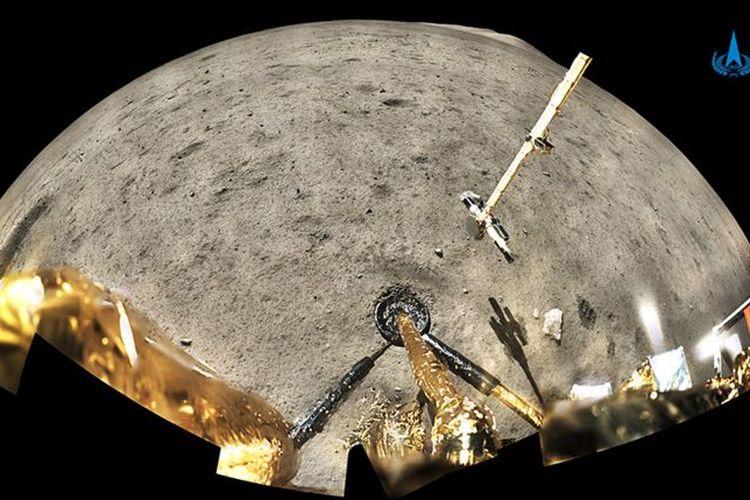Change-5 aterrizó en el lado noroeste cerca de la luna y plantó la bandera china allí como se ve en la foto de la derecha.