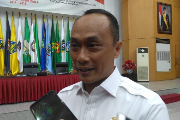 Direktur Direktorat Jenderal Kependudukan dan Pencatatan Sipil (Ditjen Dukcapil), Zudan Arif Fakrulloh usai menghadiri laporan akhir tahun 2018 di kantor Kemendagri, Jakarta, Rabu (26/12/2018).