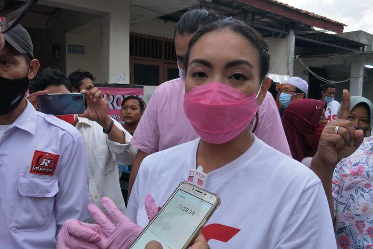 Calon Wakil Wali Kota Tangerang Selatan Rahayu Saraswati Djojohadikusumo usai berkampanye di Kawasan Pondok Aren, Tangerang Selatan, Rabu (25/11/2020)