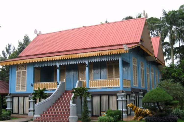 [Tangkapan Layar] Rumah Melayu Atap Lipat Kajang, Riau