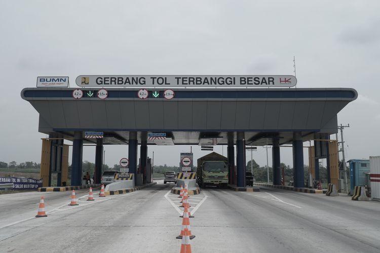 Gerbang Tol Terbanggi Besar di ruas Tol Terbanggi Besar-Pematang Panggang, Rabu (28/8/2019).