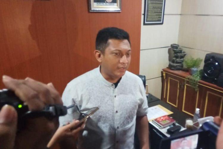 Kasat Reskrim Polrestabes Makassar AKBP Indratmoko saat diwawancara mengenai rekayasa kasus penculikan yang dilakukan RZ di Polrestabes Makassar, Jumat (19/7/2019).