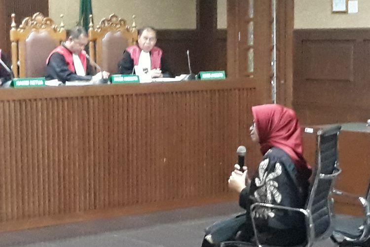 Mantan Wakil Ketua Komisi VII DPR, Eni Maulani Saragih duduk di kursi terdakwa di Pengadilan Tipikor Jakarta, Selasa (22/1/2019).