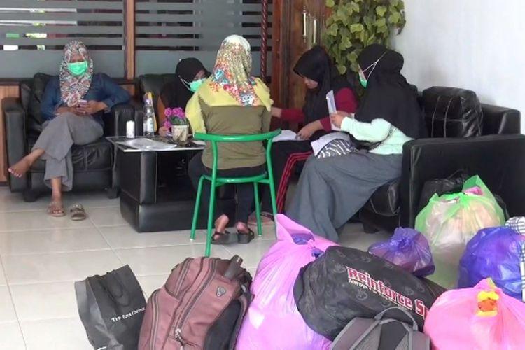 Tak Mampu Bayar Biaya Hidup dan Kos-Kosan, 13 Perawat Rsud Sulbar Yang di PHK Terpaksa Mengutang Demi Pulang Kampung