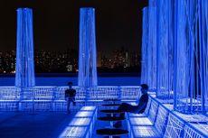 Seluruh Struktur di Bar Shanghai Ini Dihiasi Kabel UV