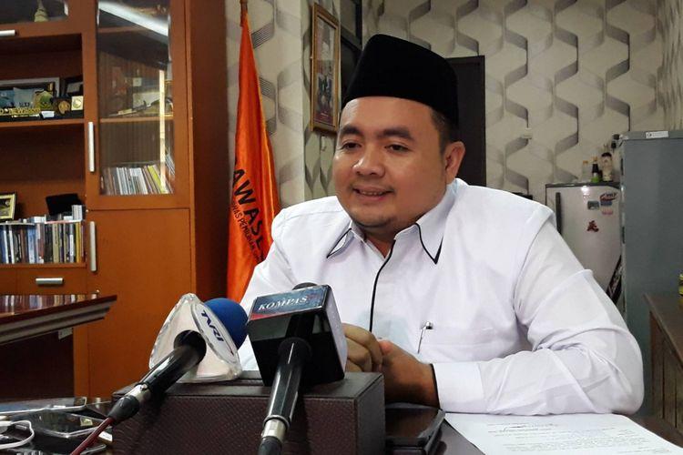 Komisioner Bawaslu Mochammad Afifuddin di kantor Bawaslu, Jakarta Pusat.