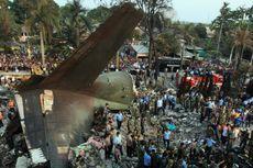 Hari Ini dalam Sejarah: Pesawat Hercules C-130 Jatuh di Medan, 113 Penumpang Meninggal