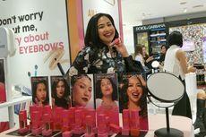 Feni Rose Luncurkan Kosmetik yang Terinspirasi Acara Gosip
