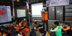Sebagai Bentuk Apresiasi, Dompet Dhuafa Bekali Para Relawan dengan Skill Vertical Rescue