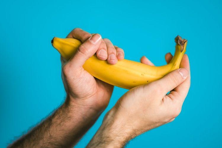 Masturbasi sebelum berhubungan intim dapat menunda ejakulasi saat penetrasi dan menjadi alternatif cara mengatasi ejakulasi dini.
