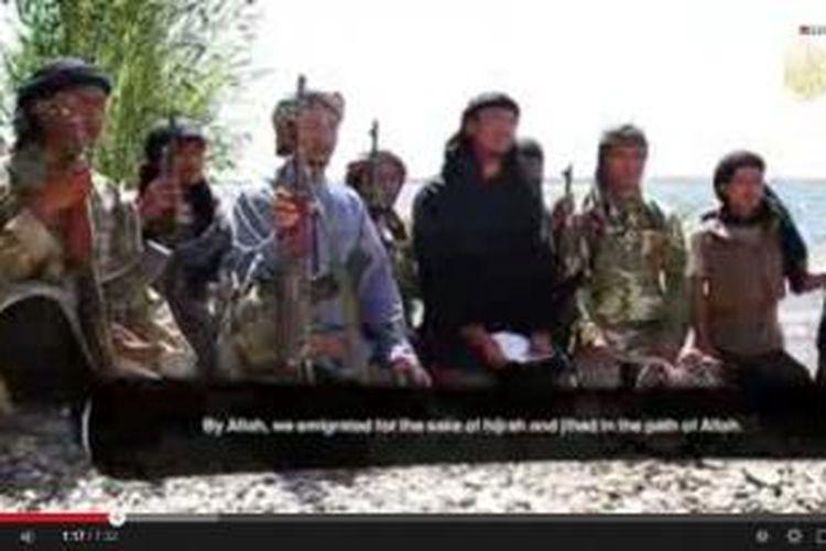 Tayangan video yang berisi sekelompok warga Indonesia di ISIS yang meminta kaum Muslimin di Indonesia untuk bergabung dengan kelompok mereka.