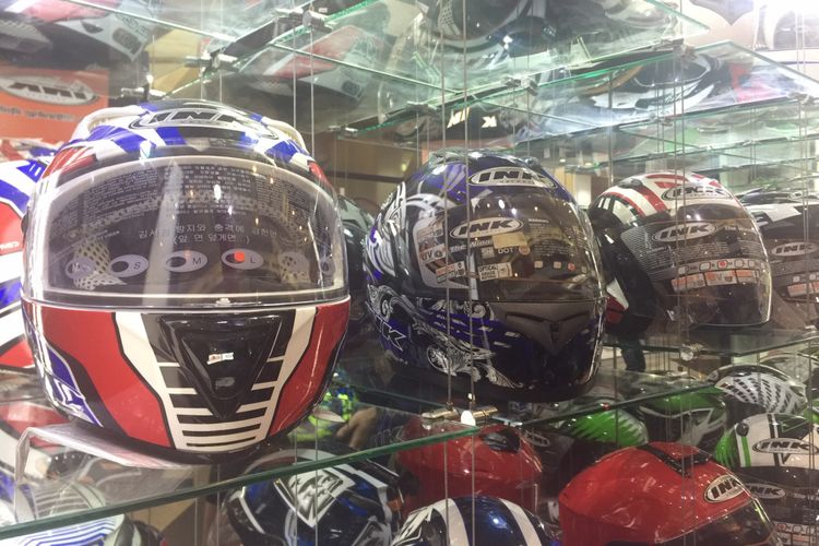 Promo Helm Full Face di IMOS 2018