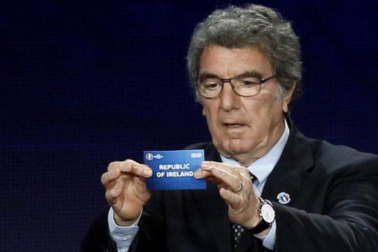 Kiper legendaris tim nasional Italia, Dino Zoff.