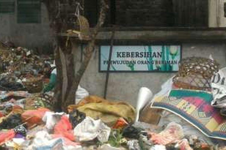Sampah plastik banyak terbuang di kota Denpasar