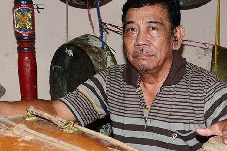 Karnoto (70), seniman tari klasik di Desa Sendangasri, Kecamatan Lasem, Kabupaten Rembang, Jawa Tengah.