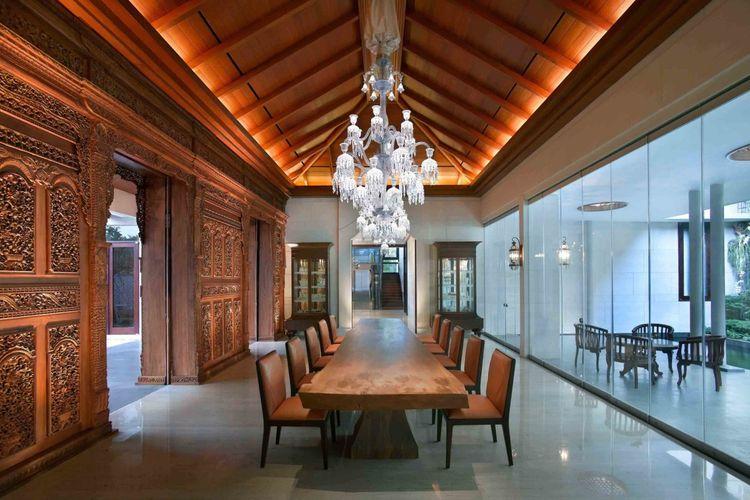 Meja makan persegi panjang untuk ruangan besar, hunian karya Han Awal & Partners