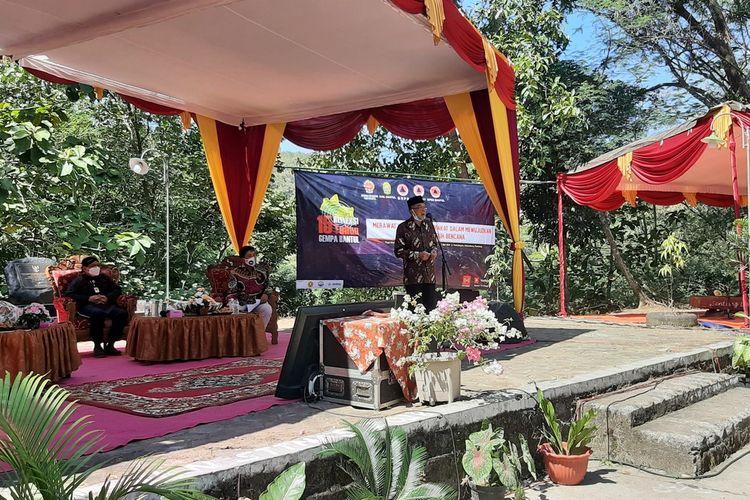 Idham Samawi saat di Monumen Gempa Potrobayan, Pundong, Bantul