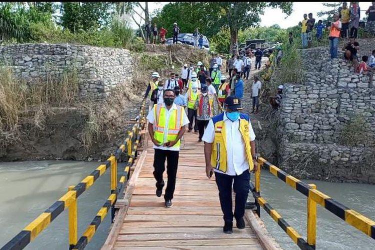Wakil Menteri (Wamen) Pekerjaan Umum dan Perumahan Rakyat (PUPR) Jhon Wempi Wetipo memastikan, sejumlah infrastruktur yang rusak di wilayah NTT akibat bencana alam akan diperbaiki.