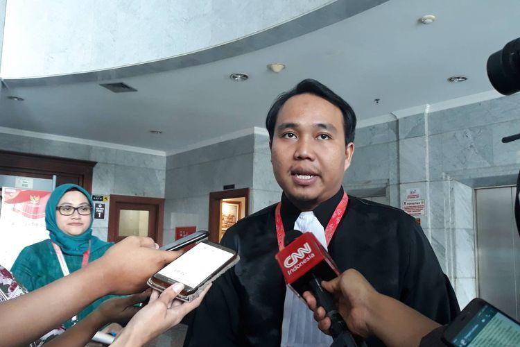 Peneliti Perkumpulan untuk Pemilu dan Demokrasi (Perludem) Fadli Ramadhanil di Gedung MK, Jakarta Pusat, Rabu (26/2/2020).