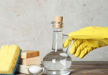 7 Manfaat Cuka untuk Mencuci Pakaian, dari Mencerahkan sampai Usir Bau