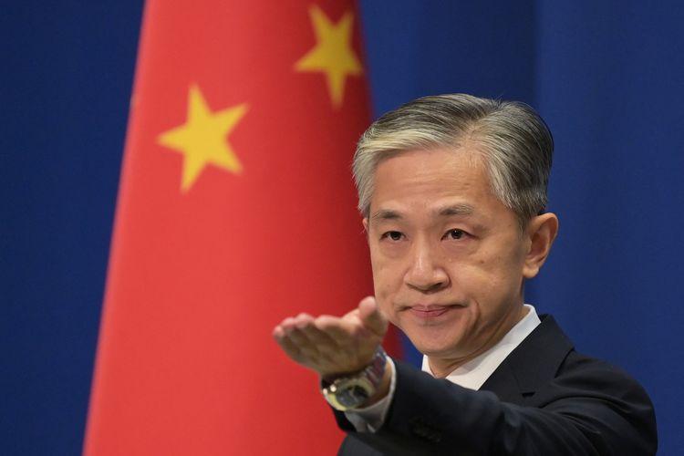 Juru bicara Kementerian Luar Negeri China Wang Wenbin menjawab pertanyaan pada briefing Kementerian Luar Negeri di Beijing pada 9 November 2020.