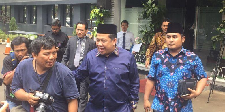 Wakil Ketua DPR RI Fahri Hamzah diperiksa selama tiga jam oleh Direskrimsus Polda Metro Jaya terkait laporannya terhadap Presiden Partai Keadilan Sejahtera (PKS) Sohibul Iman, di Mapolda Metro Jaya, Senin (19/3/2018).